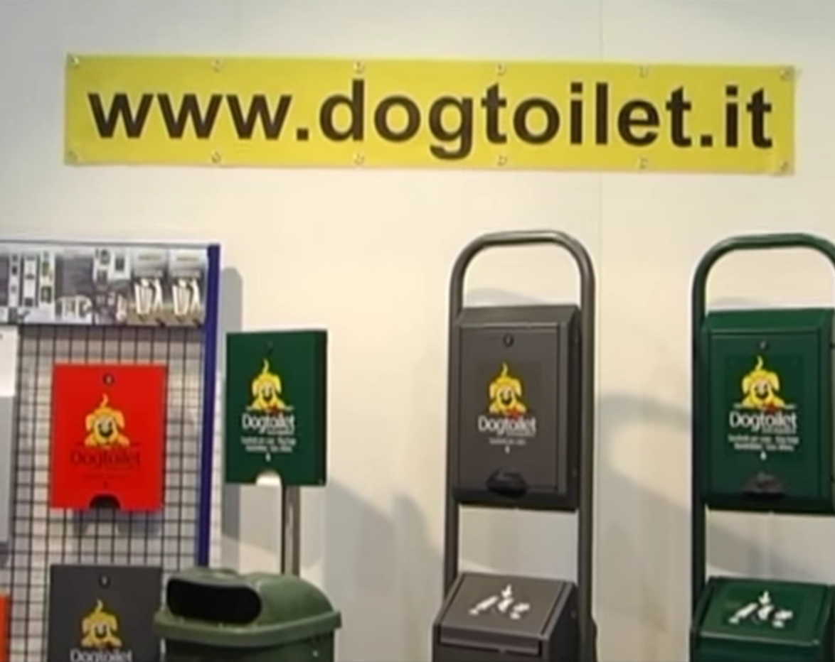 produktvideo hundekotentsorgung dogtoilet. Black Bedroom Furniture Sets. Home Design Ideas